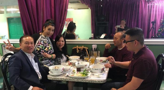 Cô đào cải lương Hồ Quảng Phượng Mai mở quán hủ tiếu