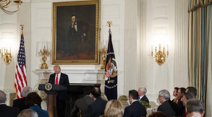 Tổng Thống Donald Trump sẽ tăng mạnh ngân sách quốc phòng