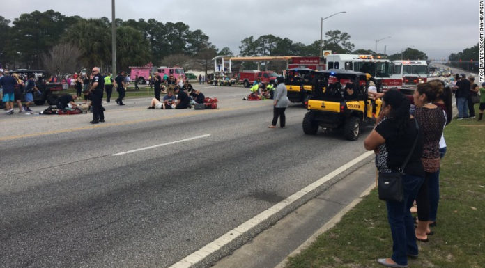 Alabama: Xe ủi vào đám đông dự lễ hội Mardi Gras, 12 bị thương