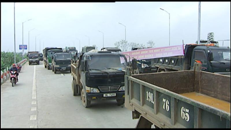 Phú Thọ: Dân chặn xe phản đối trạm thu phí