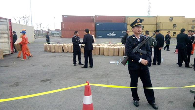 Phát hiện hai container lá 'Thiên Ðường' cực độc ở cảng Hải Phòng