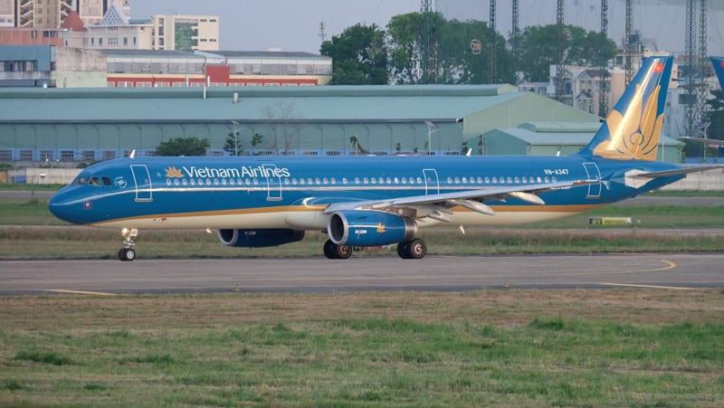 Khuyên quài mà mấy bà hông nghe.... VN-Phi-Co-Vietnam-Airlines-Dap-Khan-Vo-Tui-Nguc