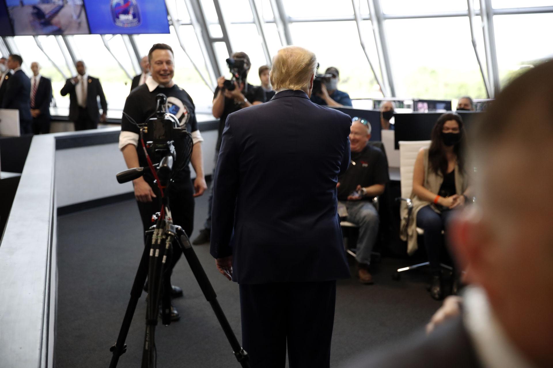 TS-spacex-phong-phi-thuyen-thanh-cong-Trump-Musk-3