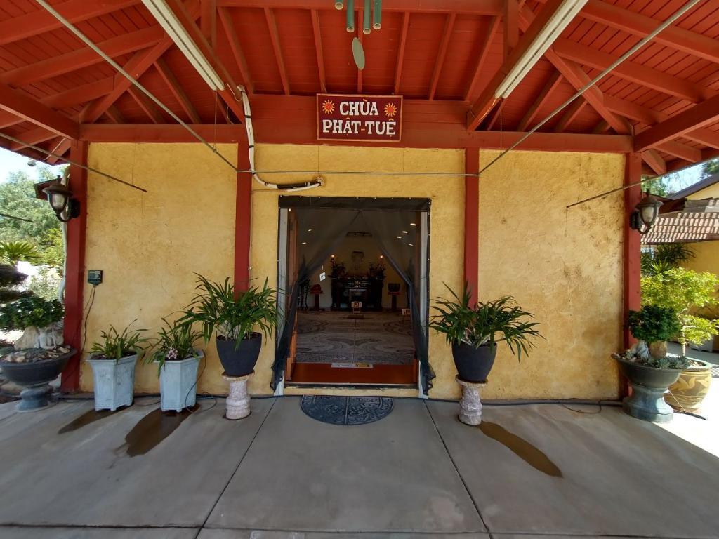 Nhiều chùa ở Little Saigon và Nam California bị trộm và đập phá DP-chua-Nam-CA-Little-Saigon-bi-trom-4-