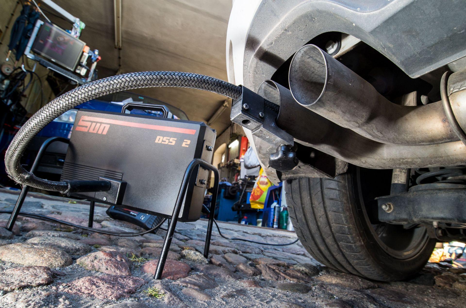 Daimler trả $1.5 tỷ dàn xếp vụ kiện gian lận mức khí thải từ xe diesel