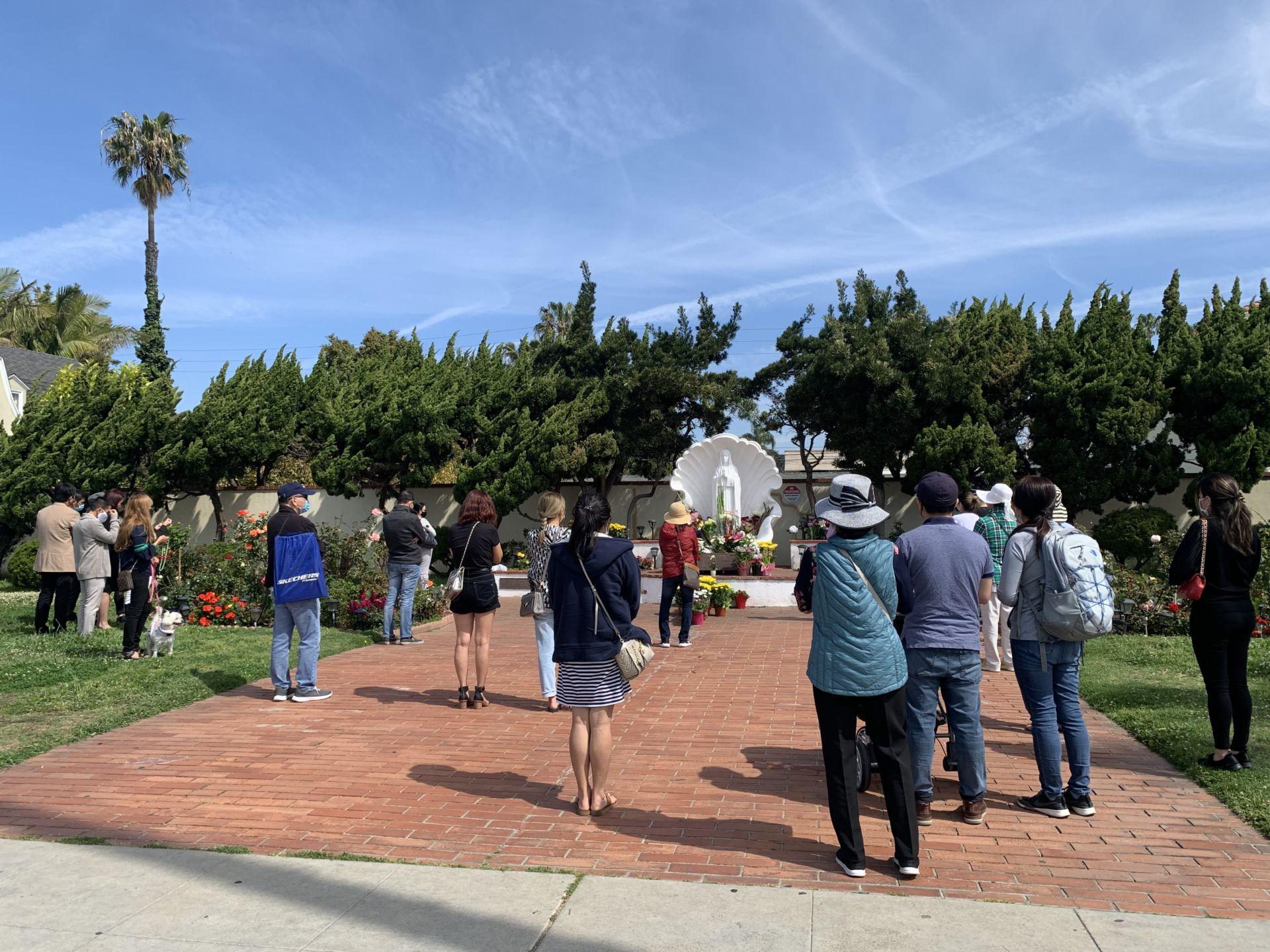 Cuối tuần viếng thăm Đức Mẹ Long Beach