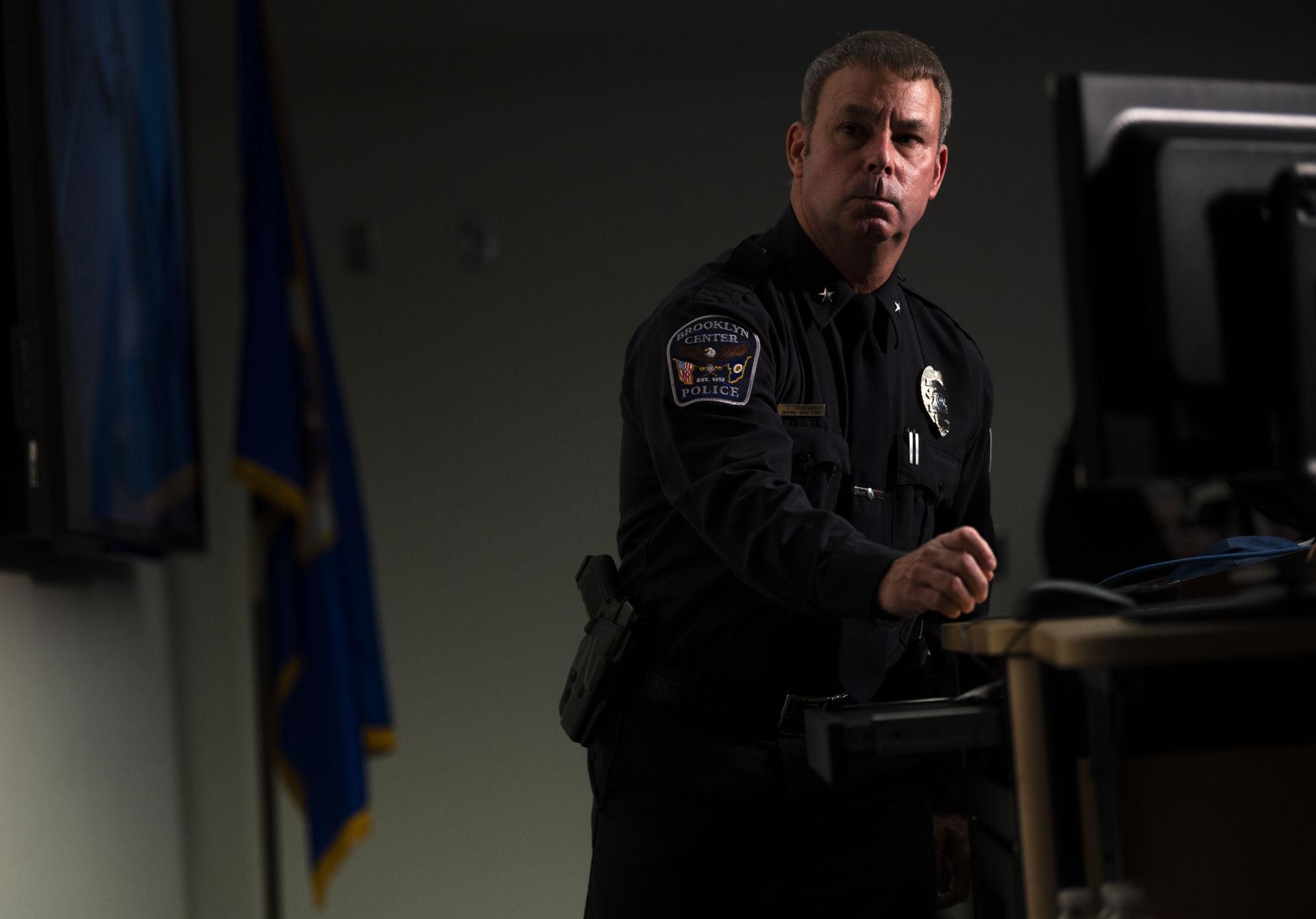 Cảnh sát viên bắn chết Daunte Wright, cảnh sát trưởng Brooklyn Center cùng từ nhiệm