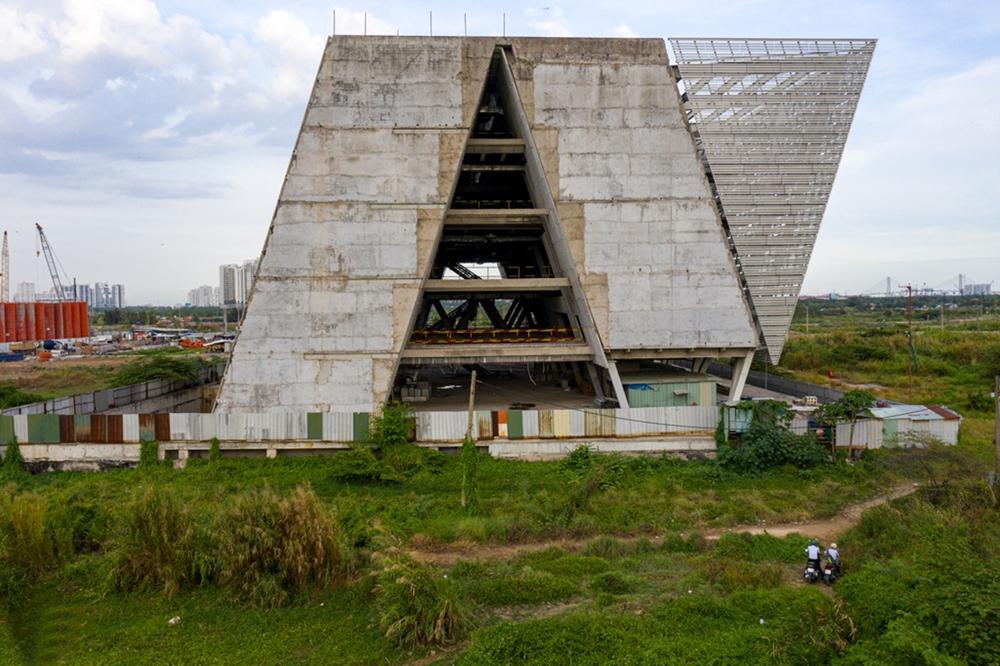 Dự án Trung Tâm Triển Lãm giành đất Thủ Thiêm xây 'ba mớ' rồi bỏ hoang