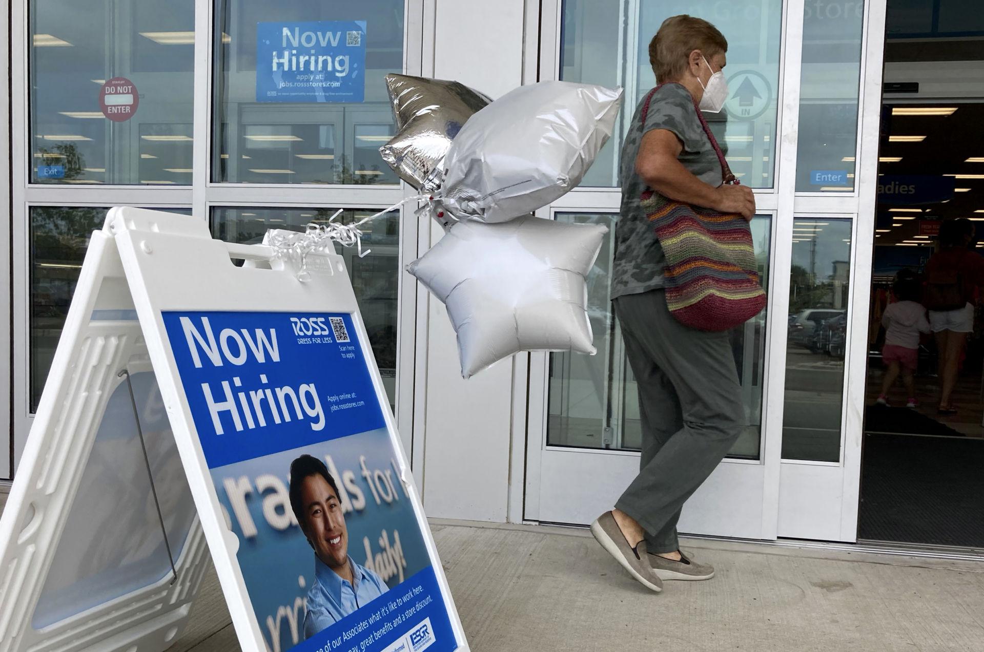 Nước Mỹ có thêm gần 950,000 việc làm trong Tháng Bảy
