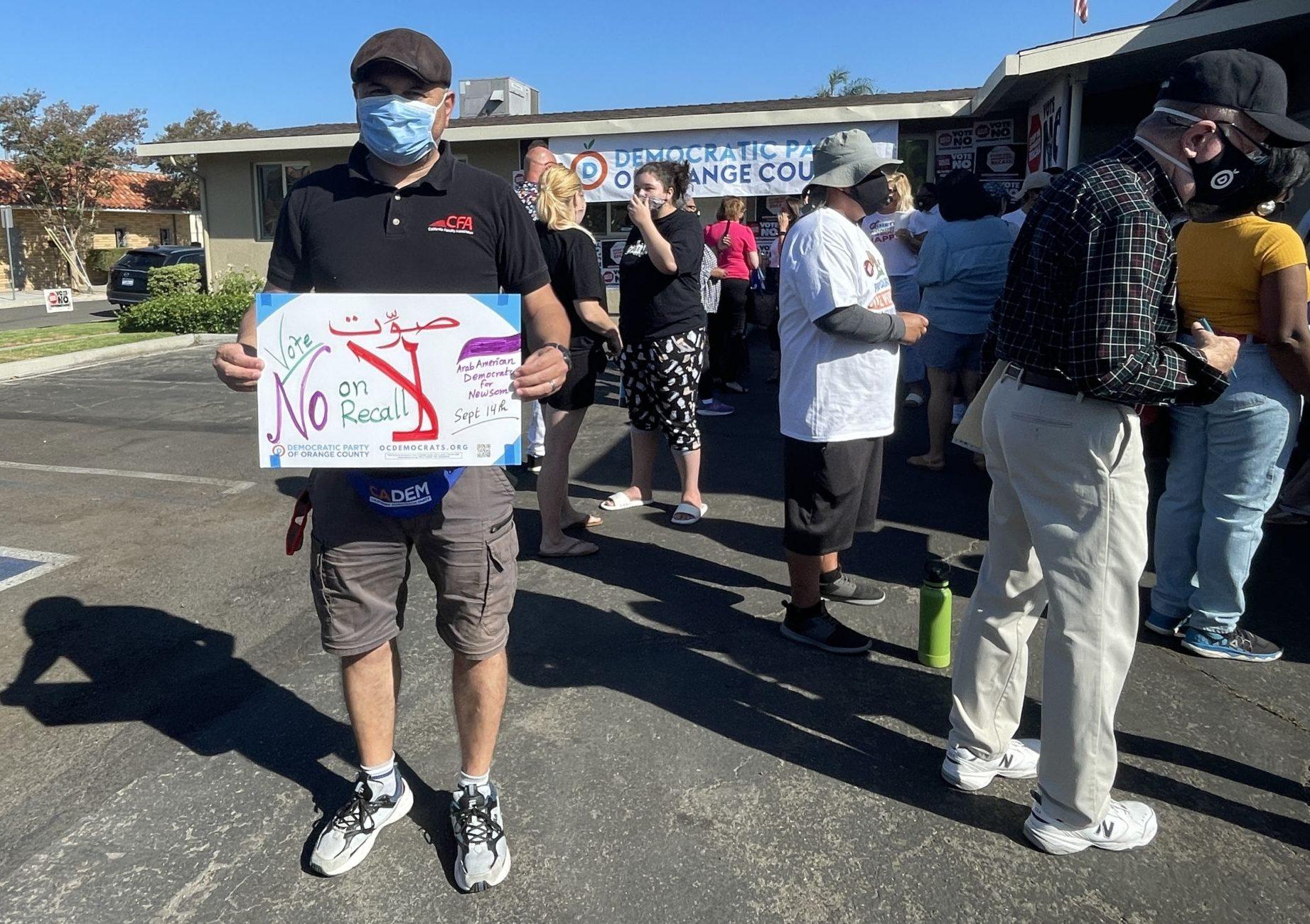Đảng Dân Chủ Orange County vận động chống bãi nhiệm Newsom