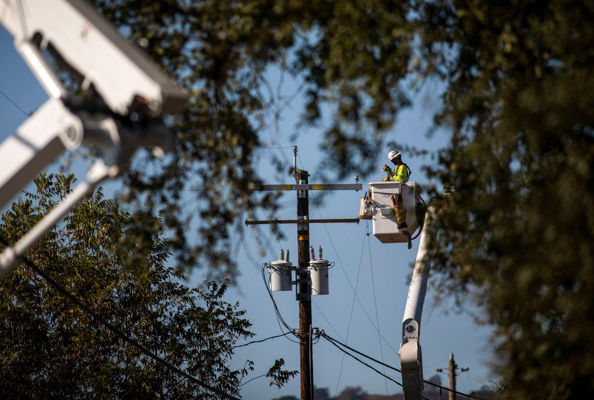 Công ty điện PG&E bị truy tố vụ gây cháy rừng ở California khiến 4 người chết