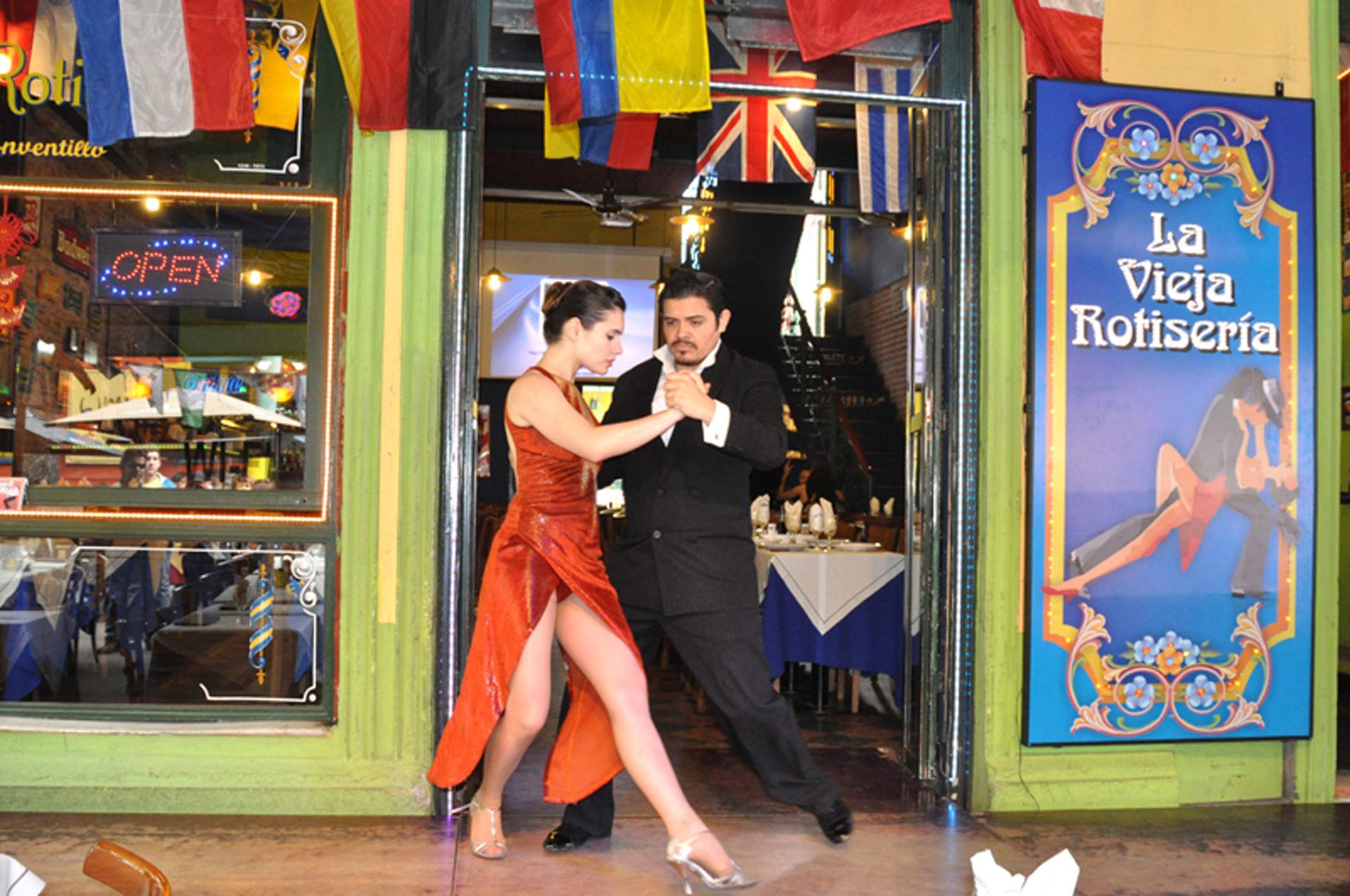 [Image: DL-Chi-co-Argentino-Tango-1.jpg]