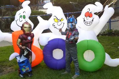 Garden Grove Tổ Chức Vui Chơi Cho Trẻ Em Dịp Lễ Halloween Nguoi